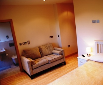Dreamhouse Apartments at Deansgate offer choices of two and three bedroom featuring with spacious living area, balcony, jacuzzi, and under floor heating.  This  two-bedroom serviced apartment is 0 sq.