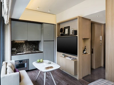 Eight Kwai Fong consists of 156 fully furnished and serviced Studios and 1-bedroom apartments. The sizes are ranging from 323 to 535 square foot. Each apartment has a private balcony and full height g