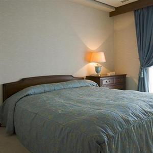 70 units of classic brand of serviced residence located in Bukyo area has 5 different residences in the area, managed for over 20 years by Tsunashima Group. Just minutes of walk distance from Ueno Sta
