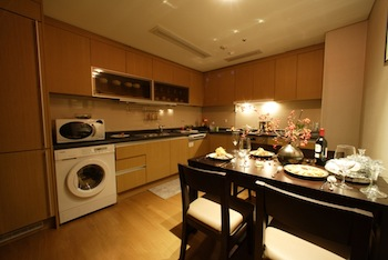 Kitchen 2-Bedroom Apartment 72 Sq.m. Fraser Place Central Seoul