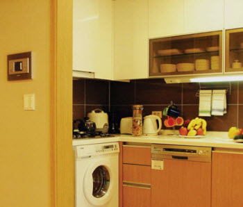 Kitchen 1-Bedroom Apartment 68 Sq.m. Fraser Place Central Seoul