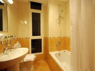 Bathroom 3-Bedroom Apartment 0 Sq.m. GHM Short Stay Dubai