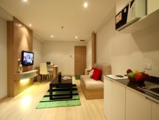 Grass Suites on Thonglor offers convenient and comfortable serviced residence in a main place for both international and local executive, leisure travelers and families. it is situated in Sukhumvit55