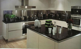 Fully Equipped Kitchen 2-Bedroom Apartment 76 Sq.m. Grosvenor Waterside