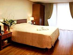 Han Suites look more than serviced residence. Comprising of 120 well equipped and furnished studios, apartments in South Korea impart peaceful and homely feeling to guests.  This  one-bedroom serviced
