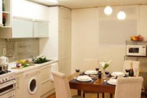 Dining Area 2-Bedroom Apartment 132 Sq.m. Han Suites Serviced Residences Seoul - Serviced Apartments Seoul