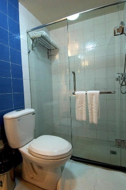 Shower Room 3-Bedroom Apartment 140 Sq.m. Hankar Serviced Apartment