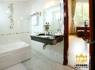 bathroom 1 Studio Apartment 32 Sq.m. Le Hotel Hanoi