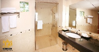 Bathroom 2 Studio Apartment 32 Sq.m. Le Hotel Hanoi