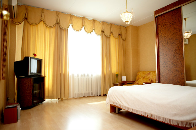 Short-term accommodation in Moscow has numerous advantages comparing to hotel room reservation. It perfectly fits all needs of either a single business person or groups and delegations.  This  studio