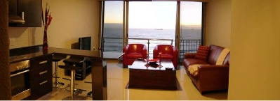 A luxurious one-bedroom self-catering apartment, Infinity provides unprecedented and breathtaking views across Table Bay, with Table Mountain on your left and Robben Island on your right. Infinity is