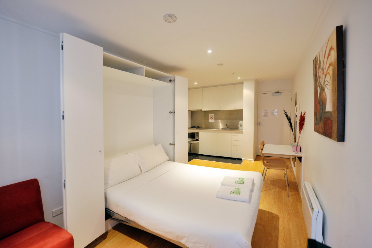 These Melbourne serviced apartments are located on 160 Little Lonsdale Street, a modern apartment in the heart of cosmopolitan Melbourne. Our Superb location is the ideal base for exploring this sophi