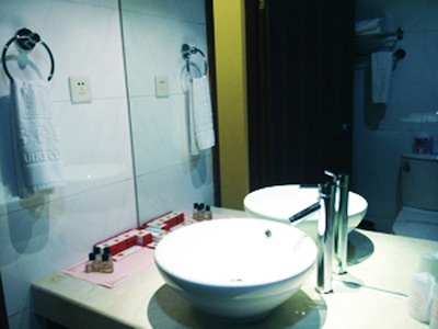 Bathroom 1-Bedroom Apartment 76 Sq.m. King Tai Serviced Apartment
