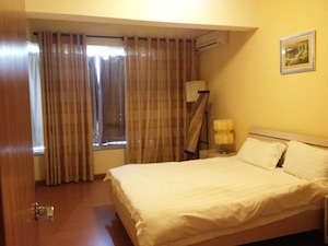 This place is ideal for Business Traveller. with 24-hour security on duty, daily cleaning the apartment, and offer free baskfast everyday. Each apartment has a dedicated