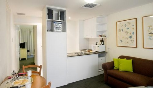 We are 4.5 star rated by AAA tourism. This Melbourne serviced apartments in South Yarra are a reflection of the quality and prestige of one of Melbourne`s most desirable areas. Each apartment has been