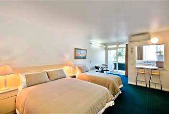 A complete home like dwelling is available at Melbourne Princes Park Motel Inn with residences for single and family travelers.  Studio apartments with kitchen and bathroom are available along with on