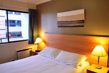 The serviced residences, Darling Harbour is part of a boutique block containing eight single level one bedroom apartments. All apartments have recently been refurbished with painting, new carpets and