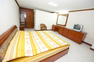 P. Mansion offers fully furnished mansion rooms having stylish interior. It is known for its top class services that instantly delight the guests. The facilities here can be compared to those provided