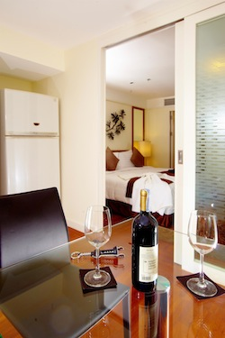 Phachara Suites offer luxury serviced accommodation in the heart of Bangkok. The short term apartments has a fully equipped kitchen with all the modern cooking appliances. Guests can ask for a number