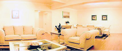 Phoenix Mansion serviced apartment is comprise of two 23-floored buildings. It offers diverse layout of luxury apartments and various leisure and entertaining facilities to the guests. It is managed b