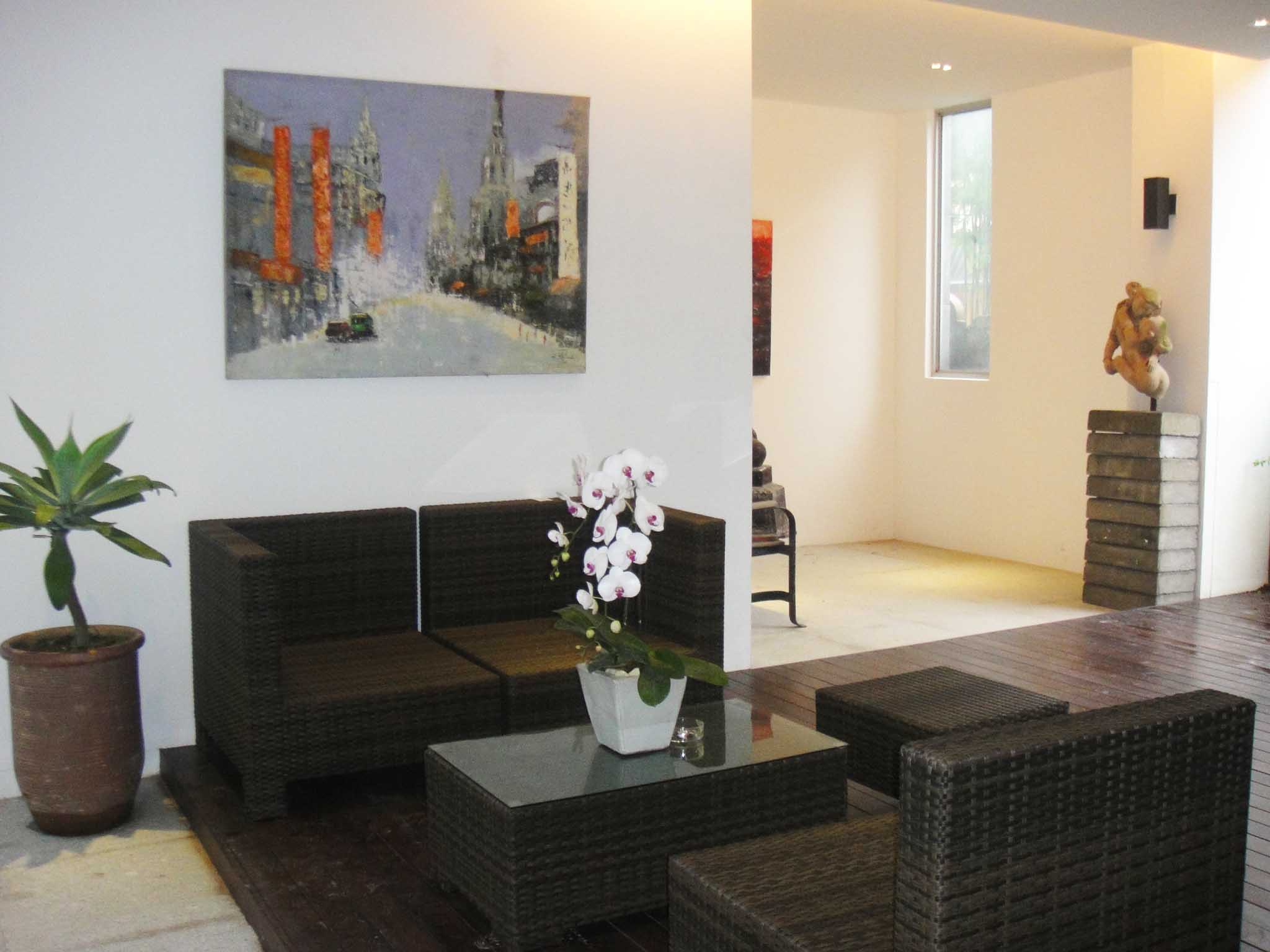 This  two furnished apartment is 350 sq.m and is located . The apartment has 1 bathroom. The minimum length of stay for this apartment is 7 Night(s).