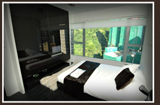 The apartment hotel is located in the financial heart of Hong Kong. It has fully equipped kitchens, modern entertainment systems, comfortable queen beds, wireless internet access and other amenities t