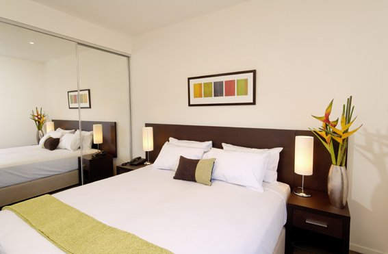 This apartment hotel offers guests a range of facilities for travelers. It offers one and two bedroom luxury serviced apartments with all the modern accessories of life. Punthill Essendon Grand offers
