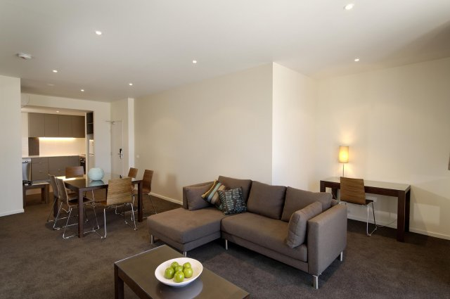 Punthill's Knox apartment hotel is located at a distance of approximately 30 kilometres South-East of Melbourne in the suburb of Wantirna South. The serviced accommodation offers luxury residential