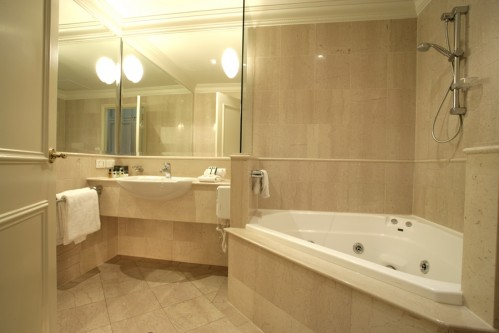 Bathroom Studio Apartment 0 Sq.m. Quest East St Kilda