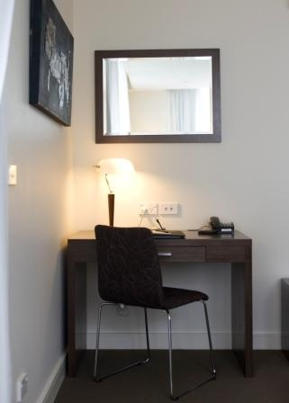 Work Desk Studio Apartment 25 Sq.m. Quest Ivanhoe