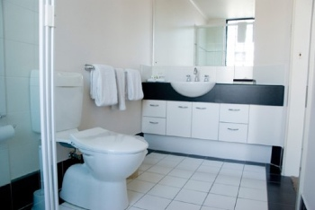 Bathroom 2-Bedroom Apartment 80 Sq.m. Quest On Sturt Serviced Apartments