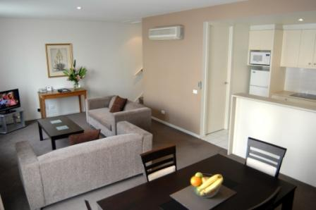Our apartments are Four Star rated alternative to traditional accommodation in South Yarra, offering guests a spacious serviced apartment for the price of a hotel or motel room. This  three-bedroom se