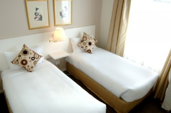 Our apartments are Four Star rated alternative to traditional accommodation in South Yarra, offering guests a spacious serviced apartment for the price of a hotel or motel room. This  two-bedroom serv