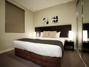 These Sydney serviced apartments offer an extensive range of guest services from valet dry cleaning to breakfast packs, massage booking to restaurant charge back to name a few. These Sydney serviced a