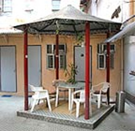 Outdoor Patio Studio Apartment 28 Sq.m. Rent-a-Room Hong Kong