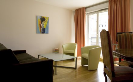 Modern building This  one-bedroom serviced apartment is 52 sq.m ,  and can sleep 2 people maximum.  The apartment has 1 bathroom. The minimum length of stay for this apartment is 2 Night(s).