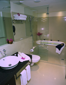 Bathroom 2-Bedroom Apartment 110 Sq.m. Siri Sathorn A Beaufort Serviced Residence