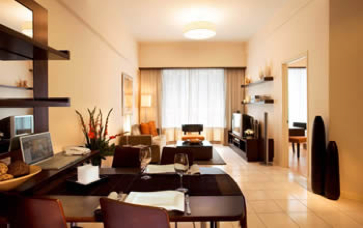 Ideal for corporate housing, the residence is surrounded by offices, banks, shopping centres, cosmopolitan restaurants, trendy cafes and local street fare within the Golden Triangle of Kuala Lumpur. T