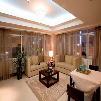 The apartment hotel is located in Financial Street, a premium business district of Beijing. The short term accommodation is styled like a hotel and is located on No. 1 Jin Cheng Fang Street in the Xic