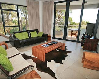 The Glen Apartments are set in a great natural environment. The famous Glen forest verges on the apartment hotel in the Camps Bay area. The executive serviced apartments offer sweeping views of the oc