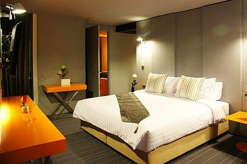 The Urban Hip Hotel mixes the richness of Thai culture with modern design and world-class facilities. We aim to offer the UNIQUE experience of Bangkok's new style of accommodation through the finest