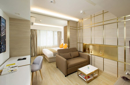 Right at the heart of Tsim Sha Tsui tourist and commercial activities, The Humphreys is merely a one-minute walk from Tsim Sha Tsui Station. Let Hong Kong ever efficient transport network takes you to