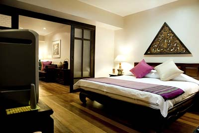 The Siam Heritage Boutique Suites offer great serviced accommodation in the central part of Bangkok. The apartment hotel offers traditional Thai hospitality but has added the western comfort and flavo